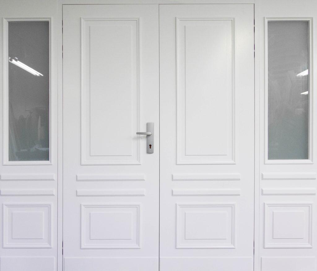 białe romantyczne drzwi