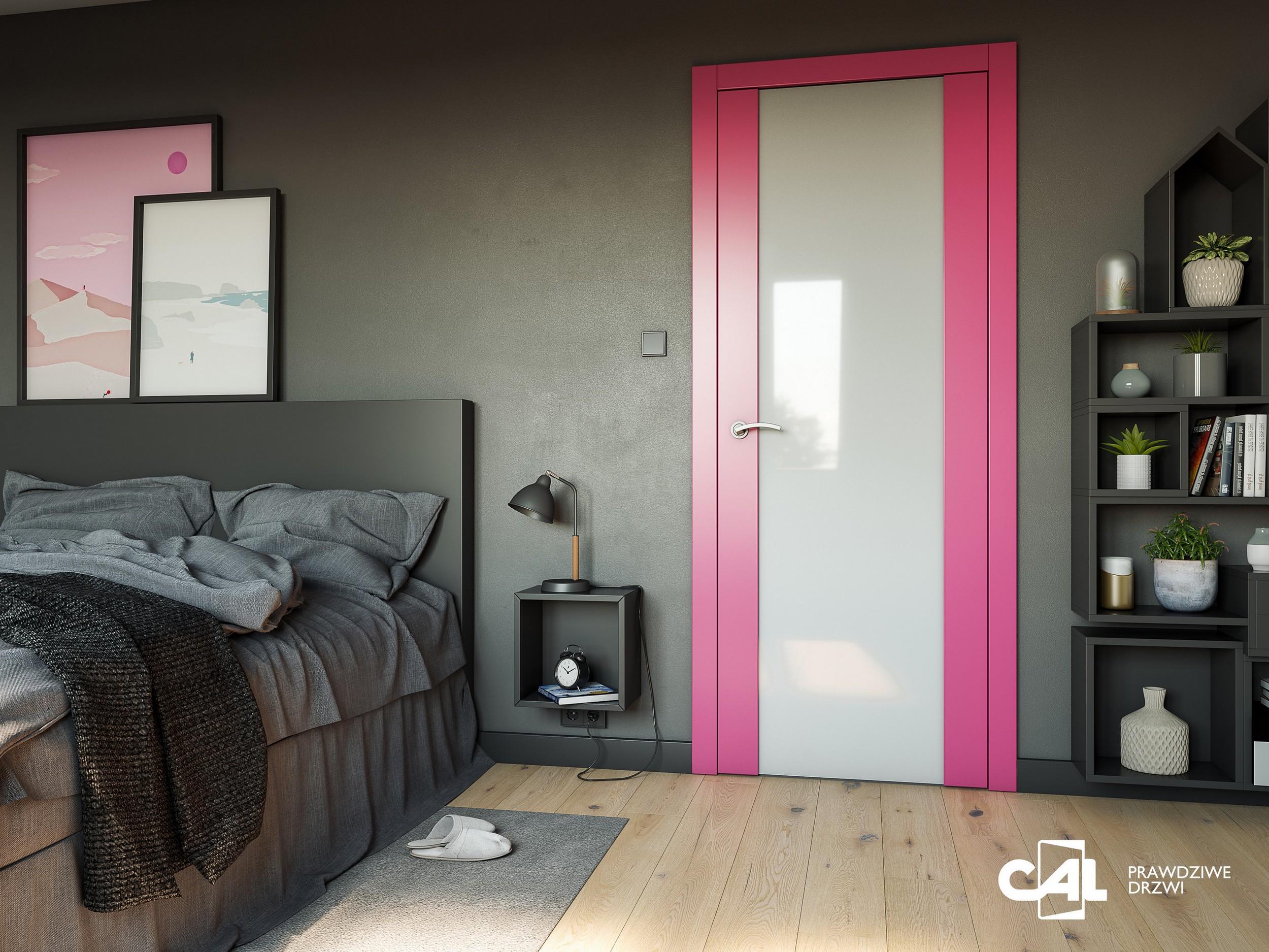 Kolorowe drzwi z przeszkleniami
