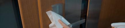 koronawirus higiena drzwi
